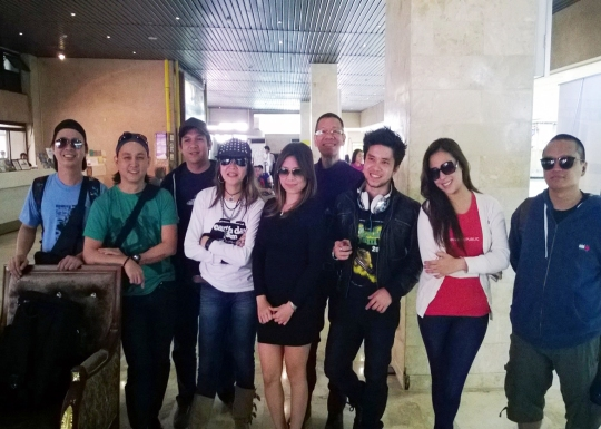 artists rivermaya,nina,lou wd  hosts karel marquez & midi g at airport