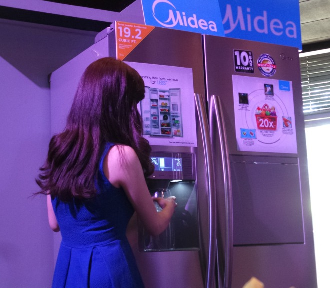 Midea REf with ice maker