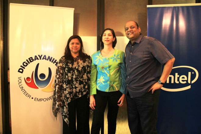L-R Intel Corporate Affairs Manager Yvonne Flores, DOST ITC Asec. Bettina Quimson, ASSIST Sreeni Narayanan