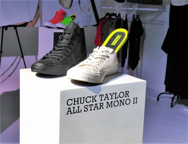 chuck taylor mono II