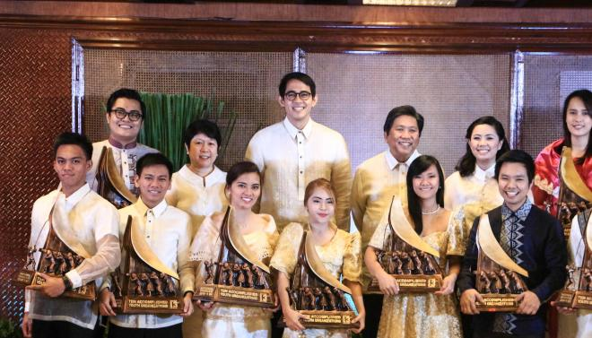 Lenovo awards TAYO 13 winners with its revolutionary computing devices, inspiring them to never stand