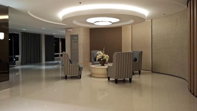 Shore 2 Lounge 2