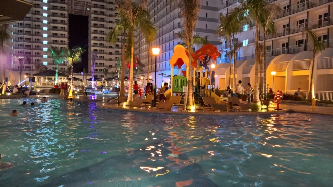 Shore 2 - pool